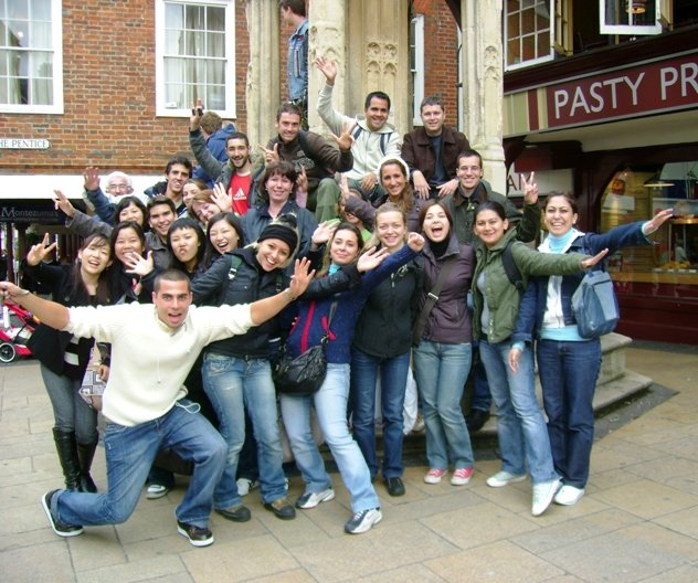 Alumnos de la escuela LSI Portsmouth - Speak and Fun