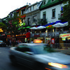 Calle de tiendas y terrazas en Montreal  - Speak and Fun